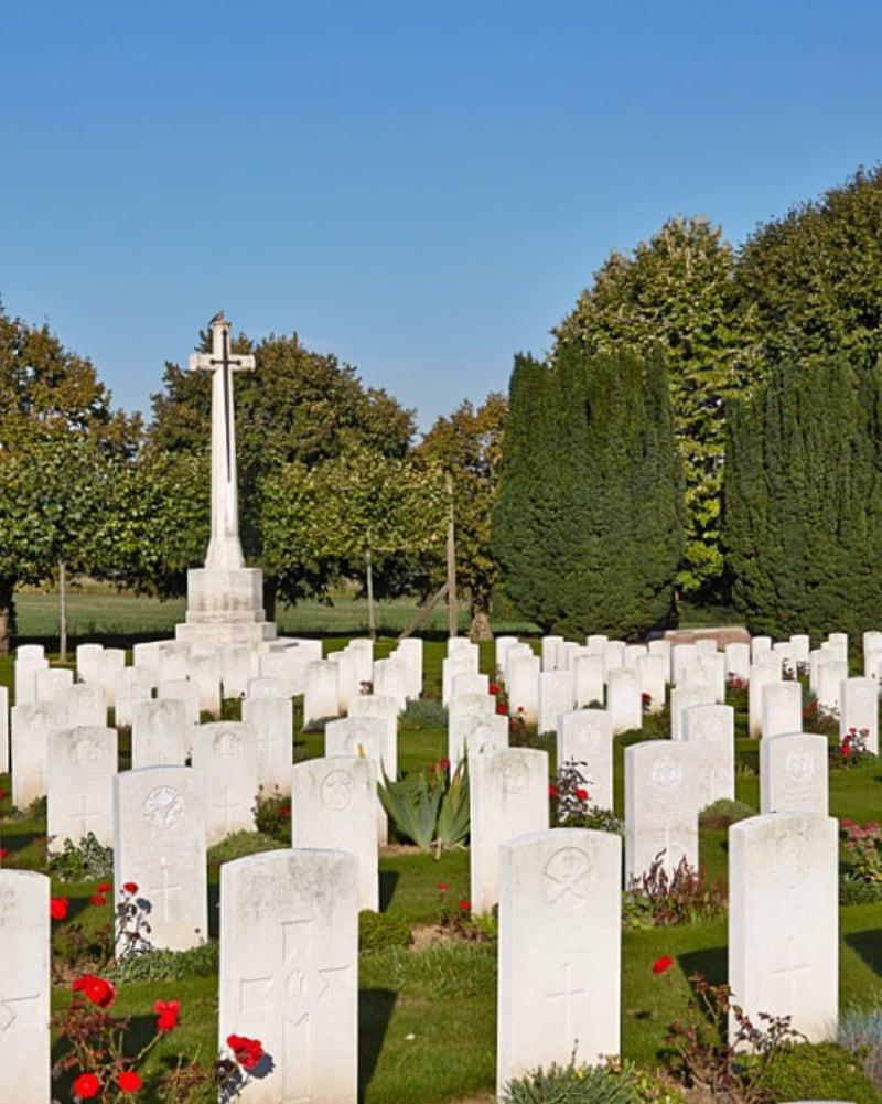 Meteren Military Cemetery