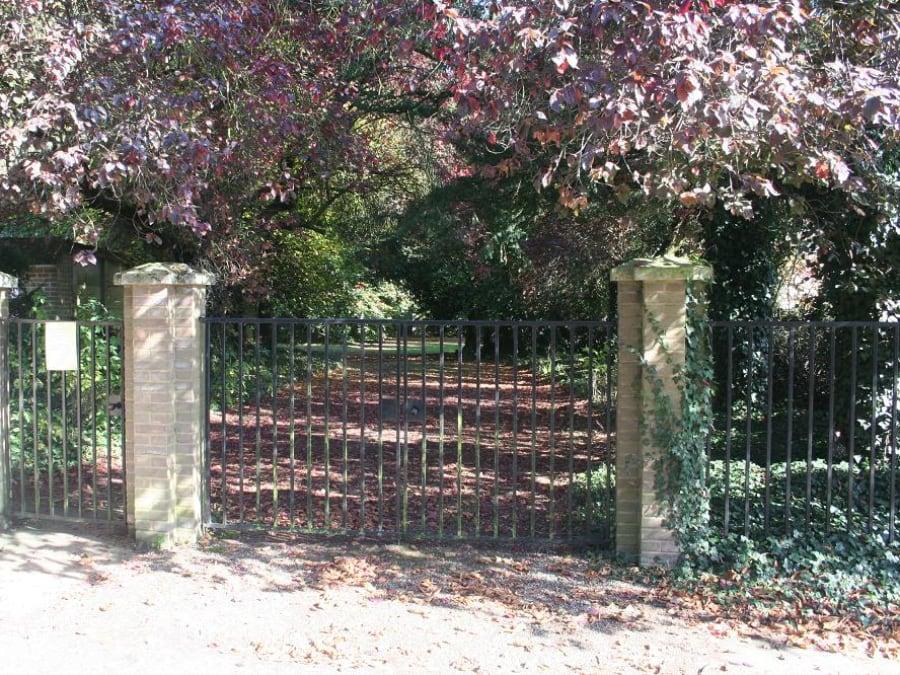 Kelvedon Churchyard